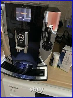 Jura E8 Coffee machine / Coffee maker with grinder Jura E8 / Coffee to cup maker